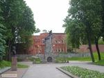 Памятник в сквере Героев