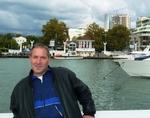 Я на фоне Морского порта в Сочи