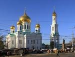 Ростовский старейший храм с молодой колоколенкой.